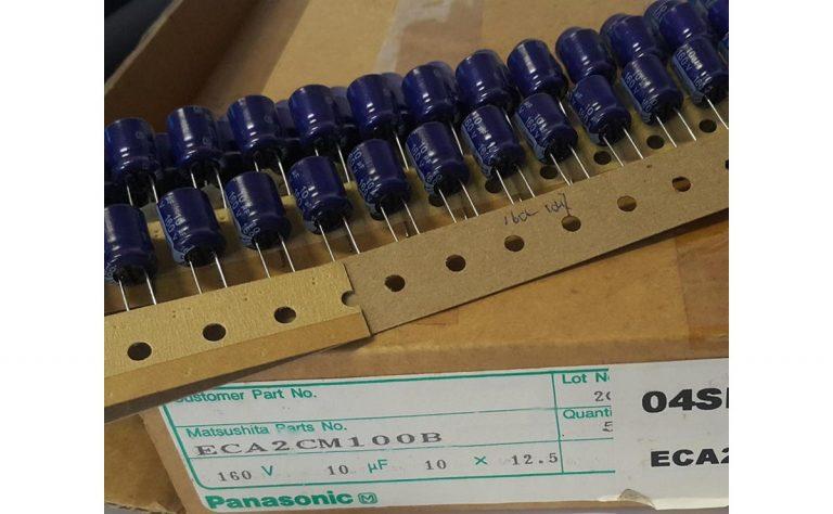 خازن الکترولیتی 10uF 160V ژاپنی Panasonic